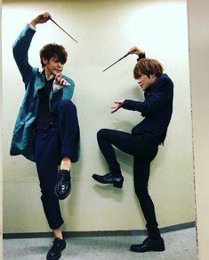 宮野真守 小野賢章 High School Host Club, Dazai Osamu, Falling In Love With Him, Rap Battle, Japanese Men, Voice Actor, Actors, Japanese Artists, Boku No Hero Academia