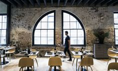 Olio Is Chippendale's New Minimalist, Casual Sicilian Restaurant Kensington Street, Top Cafe, Sicilian Recipes, Places To Eat, Wonders Of The World, Sydney, Minimalist, Restaurant, Furniture