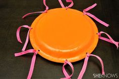Tamburello (shaker) con piatti di carta - Make musical magic with your little one - Sheknows.com | Educazione musicale per l'infanzia | Scoop.it