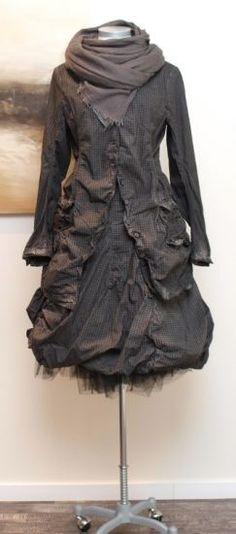 goth undergarment doll - stilecht - mode für frauen mit format... - rundholz black label - Gehrock Karo Wire herbs - Winter 2013
