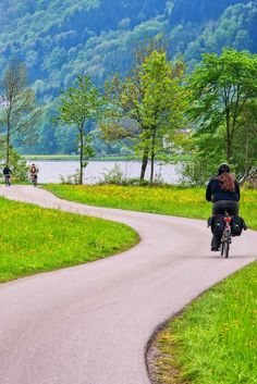The Danube Cycle Path is the most popular holiday cycling route in all of Europe! The most popular section starts in Passau, Germany and takes you to Vienna, Austria.