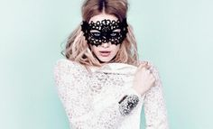 I want to go to a masquerade ball so bad...