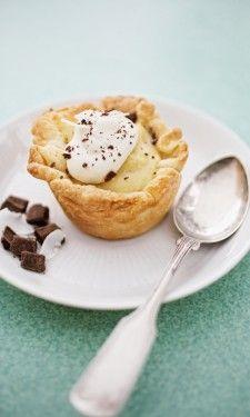 Coconut Creme Tiny Pie: Whole milk, flour, sugar, eggs, vanilla, coconut, and chocolate.