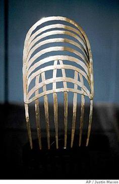 La línea, reina en las joyas de Alexander Calder