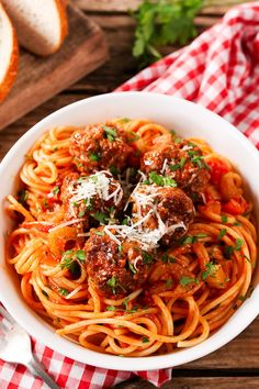 Balls and spaghetti cooked together in one pan & only 20 or so min if using pre-made meatyballs. Plus, no sugar-filled pasta sauce! YAY
