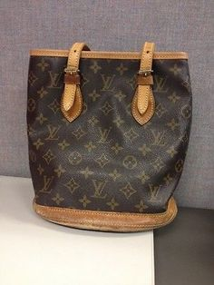 LOUIS VUITTON Monogram Bucket PM Tote shoulder Bag