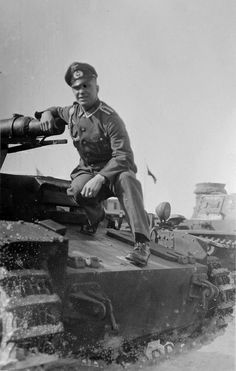 Panzer DB. A fantastic WW2 Panzer Photo resource I've just discovered on flickr that DOES allow pinning. Danke Schoen Panzer DB! I see a Sturmtiger on the front page- Ausgezeignet! :)