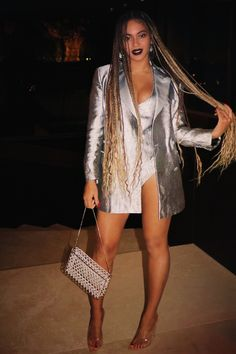 Beyoncé Life December 2018 - Sonia Santiago Home Dreads, Beyonce Braids, Beyonce Beyhive, Beyonce Style, Micro Braids, Looks Black, Beyonce Knowles, Queen B, Beautiful Black Women