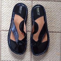 Born Black Patent Thong Sandals Size 8 M/W (39) EUC #Brn #Slides