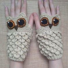 crocodile stitch owl hand warmer