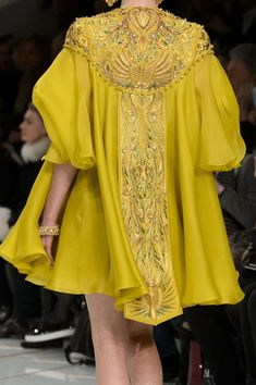 Details at Guo Pei Spring/Summer 2016 Haute Couture posted by fatalscroll