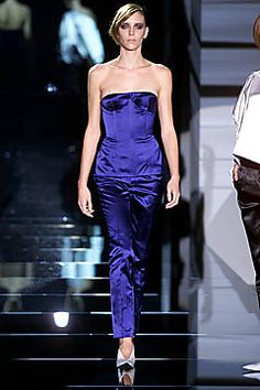 Gucci | Spring 2001 Ready-to-Wear Collection | Style.com