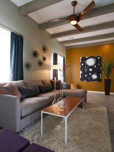 55+ Eclectic Modern Living Room - Interior Paint Colors 2017 Check more at http://www.soarority.com/eclectic-modern-living-room/