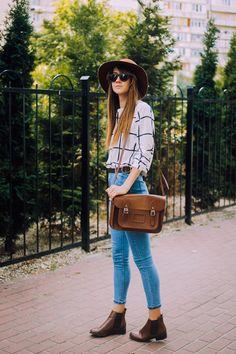 Mannequin Parade: Blue jeans, white shirt