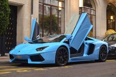 The Lamborghini LP700-4 Aventador got a new 6.5 liter V12 engine that produces 700hp at 8,250rpm and 690Nm at 5,500rpm. Lamborghini used a carbon fiber monocoque with an aluminium subframe,