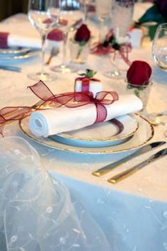 Pretty Napkin Folding For Weddings