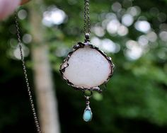White Agate Necklace - Wedding Jewellery - Decorative framing - Gemstone jewelry - Statement necklace - Bohemian jewelry - Mariaela