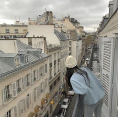 Image about love in travel. by mia on We Heart It Korean Aesthetic, City Aesthetic, Beige Aesthetic, Travel Aesthetic, Aesthetic Photo, Aesthetic Girl, Aesthetic Pictures, Japanese Aesthetic, Oui Oui