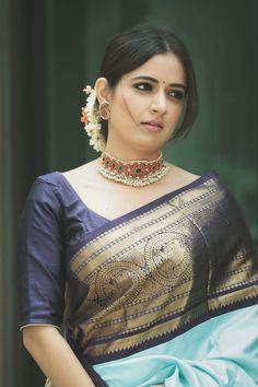 Pattu Saree Blouse Designs, Saree Blouse Patterns, Indian Blouse Designs, Look Fashion, Indian Fashion, Fashion Ideas, Fashion Outfits, Traditional Blouse Designs, Designer Sarees
