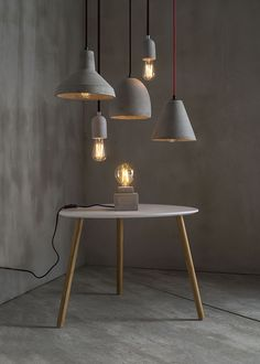 Selection of DIY objects for a concrete decoration! Beton Design, Concrete Design, Concrete Light, Concrete Lamp, Concrete Crafts, Concrete Projects, Diy Home Decor, Room Decor, Concrete Furniture