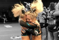Cheer Picture Poses, Cheer Poses, Cheer Couples, Great White Sharks Cheer, Cheer Team Pictures, Cheer Extreme, Cheers Photo, Gymnastics Skills, All Star Cheer