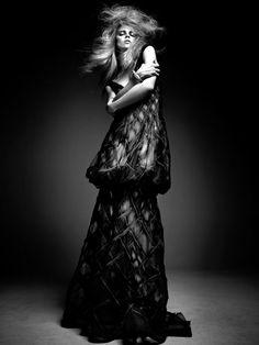 Couture Performance | Masha Novoselova | Ishi #photography | PULP No.5