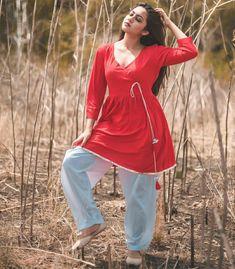 Looking wonderful wearing beautiful Indian shalwar kameez Indian Fashion Dresses, Fashion Outfits, Cute Girl Photo, Shalwar Kameez, Short Tops, Star Fashion, Indian Beauty, Girl Photos, Dress Collection