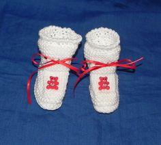 Scarpine  bianche in lana con orsetto rosso