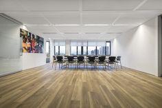 #paneelwand #scheidingswand #glaswand #amsterdam #soskinderdorpen #hufcor #spijker