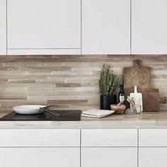Kitchen tiles splashback woods 38 ideas for 2019 Kitchen Tiles, New Kitchen, Wooden Kitchen, Stylish Kitchen, Awesome Kitchen, Beautiful Kitchen, Kitchen Cupboards, Kitchen Flooring, Kitchen Splashback Ideas