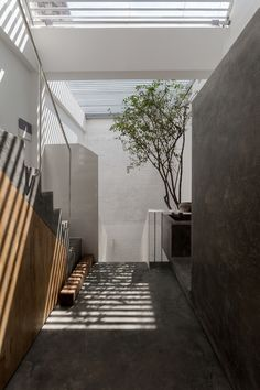 Completed in 2015 in Định Công, Vietnam. Images by Chimnon studio, Hoang Le Photography . Over the years, Hanoi has been spontaneously developing and tube house has become a popular style in this city: the houses stand beside each other,...