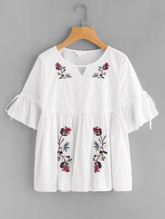 SheIn offers Cutout Neck Trumpet Sleeve Embroidered Smock Top & more to fit your fashionable needs. Girl Outfits, Cute Outfits, Fashion Outfits, Fashion Trends, Blouse Styles, Blouse Designs, Suits For Women, Clothes For Women, Blouse Models
