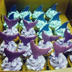 Under The Sea Mermaid and Shark Fin Cupcakes