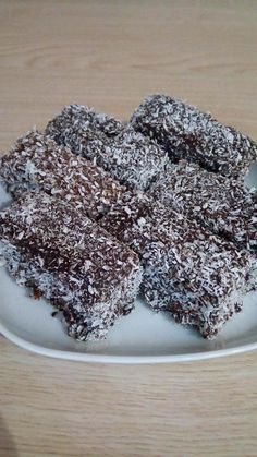 Fantastické :D Christmas Baking, Christmas Recipes, Pavlova, Blackberry, Food And Drink, Cooking Recipes, Meat, Fruit, Sweater