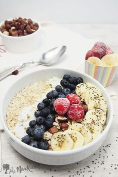 Getting your day off to a good start relies on having a good healthy breakfast, that is also quick and easy to prepare. Breakfast Snacks, Lunch Snacks, Bircher Muesli, Sweet Recipes, Healthy Recipes, Fun Desserts, Dessert Ideas, Baking Recipes, Food And Drink