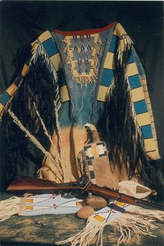 Native American Shirts, American Indians, Nativity Crafts, Mountain Man, Native Indian, First Nations, Indian Jewelry, Roots, Beautiful People