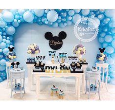 La imagen puede contener: tabla e interior Mickey 1st Birthdays, Baby Boy 1st Birthday Party, Mickey Mouse 1st Birthday, Cute Baby Shower Ideas, Boy Baby Shower Themes, Baby Boy Shower, Festa Mickey Baby, Mickey Mouse Baby Shower, Indoor