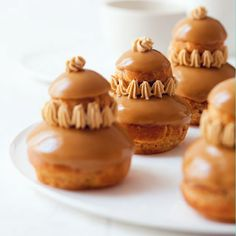 Discover recipes, home ideas, style inspiration and other ideas to try. Fancy Desserts, Köstliche Desserts, Delicious Desserts, Dessert Recipes, Eclairs, Profiteroles, Patisserie Fine, French Patisserie, British Bake Off Recipes