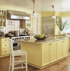 pale yellow for the kitchen walls