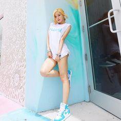 Fashion Poses, Korean Beauty, Soda, White Shorts, Outfits, Beautiful, Album, Instagram, Beverage