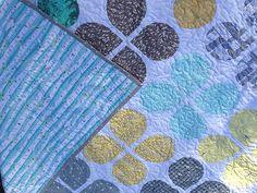 Retro Flowers quilt from Trillium Design