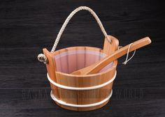 Amazon.com : Good Guality Solid Wood Red Cedar Sauna Bucket/Pail with Ladle 4L Volume : Patio, Lawn & Garden