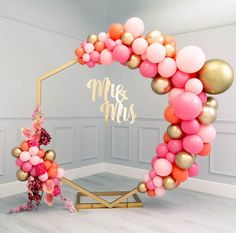 Saying I Do With Bubblegum Balloons Firstly, Congratulations! We spend all day everyday helping couples to bring their wedding dreams to life and know just how special this time is. Balloon Backdrop, Balloon Garland, Balloon Columns, Wedding Altars, Diy Wedding, Birthday Balloon Decorations, Wedding Decorations, Decor Wedding, Bubblegum Balloons