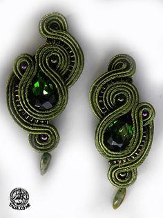 Earrings in Green Thread Jewellery, Soutache Jewelry, Beaded Jewelry, Handmade Jewelry, Soutache Tutorial, Jewelry Patterns, Leather Jewelry, Fashion Earrings, Statement Earrings