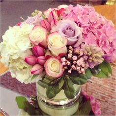 Love a vase full of beautiful flowers!