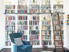 How fun is it to have a home library? Our home library – Modern Mrs. Library Ladder, Library Room, Dream Library, Library Ideas, Library Shelves, Bookshelves, Bookcase, Bookshelf Wall, Long House
