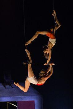 Trapèze fixe | Extrait du spectacle L'abri des finissants de… | Flickr - Photo Sharing!