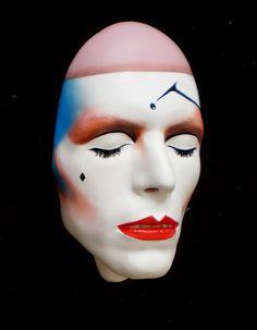 © Mark Wardel (mask sculpture - David Bowie - Ashes)
