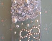 Lace and Pearl iPhone 4/4S case