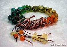 He encontrado este interesante anuncio de Etsy en https://www.etsy.com/es/listing/198313538/autumn-delight-bead-copper-bracelet